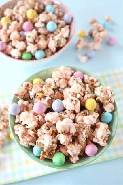 Salted Caramel Easter Popcorn Recipe - Saving Dollars & Sense