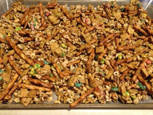 Pan of trail mix with green food for St Patrick\'s Day.