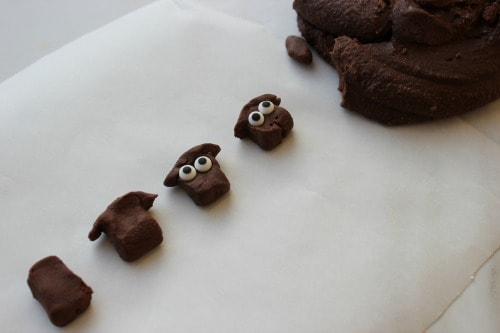 How to make lamb faces for cupcakes.