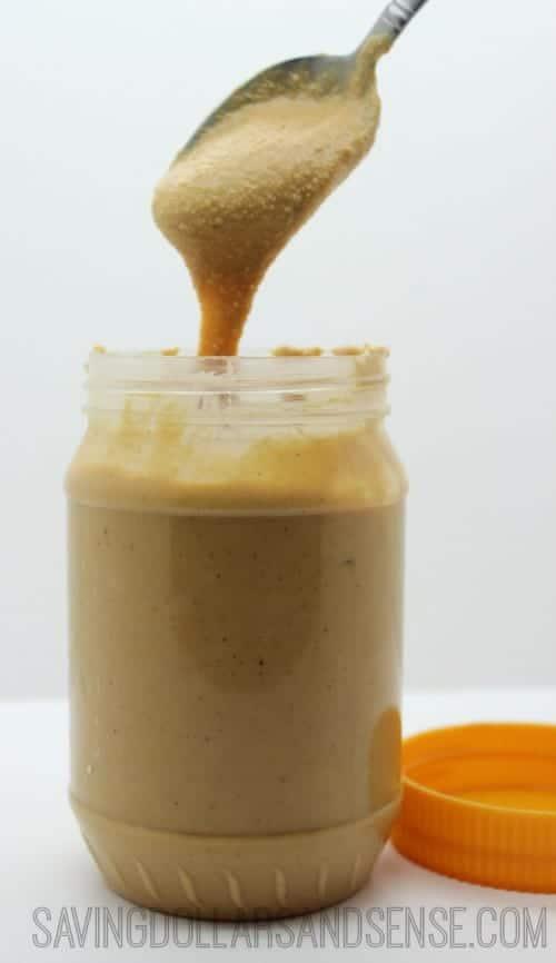 Homemade Creamy Peanut Butter