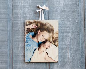 FREE 5×7 Wooden PhotoBoard