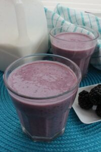 Blackberry Pomegranate Smoothie