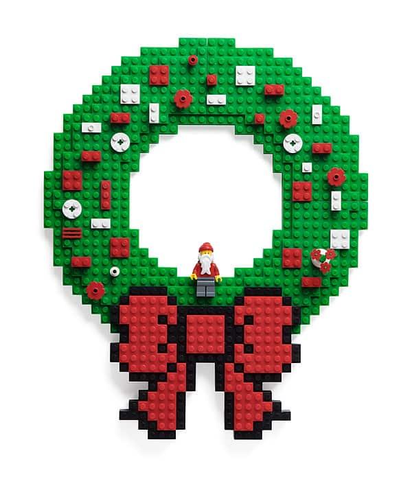 inos_build_on_brick_wreath