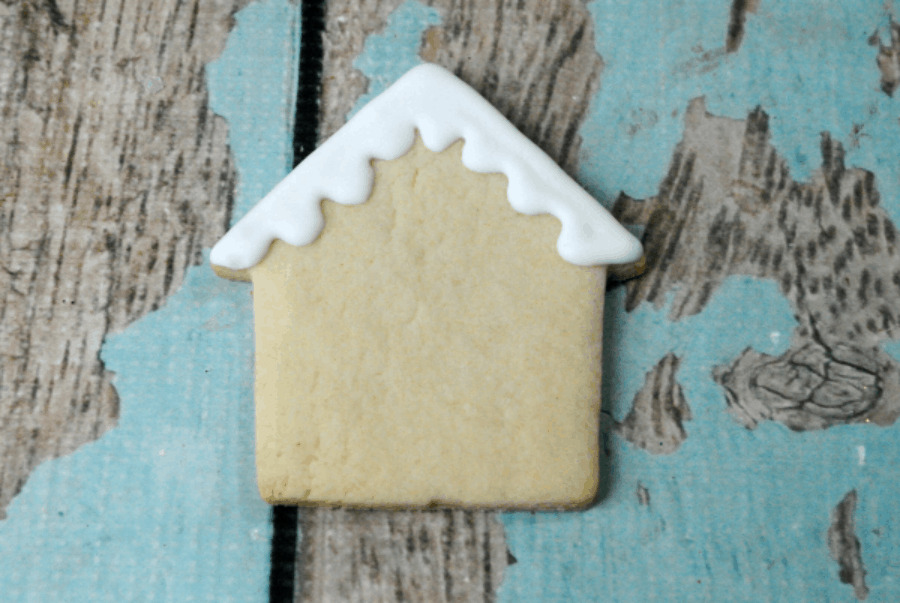 how to frost a gingerbread cookie.