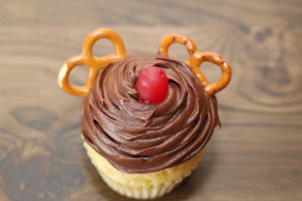 holiday reindeer cupcakes