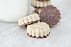 Cookies and Cream Keto Bomb Recipe