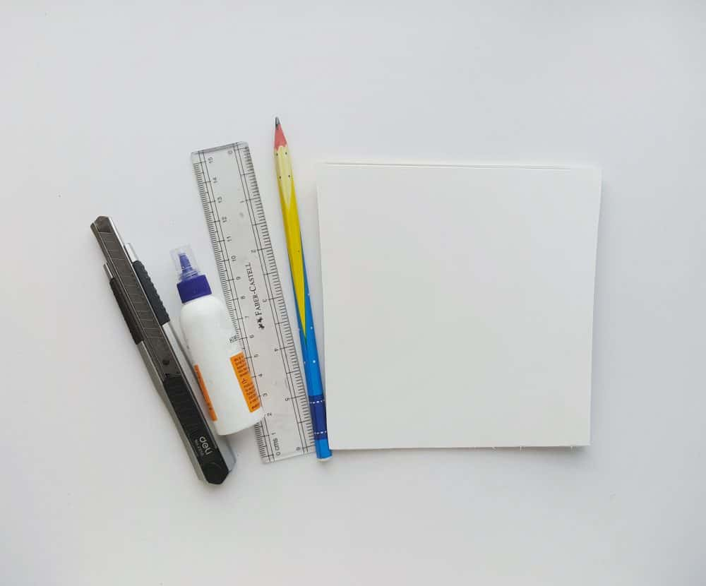 List of supplies for the quilling frame.