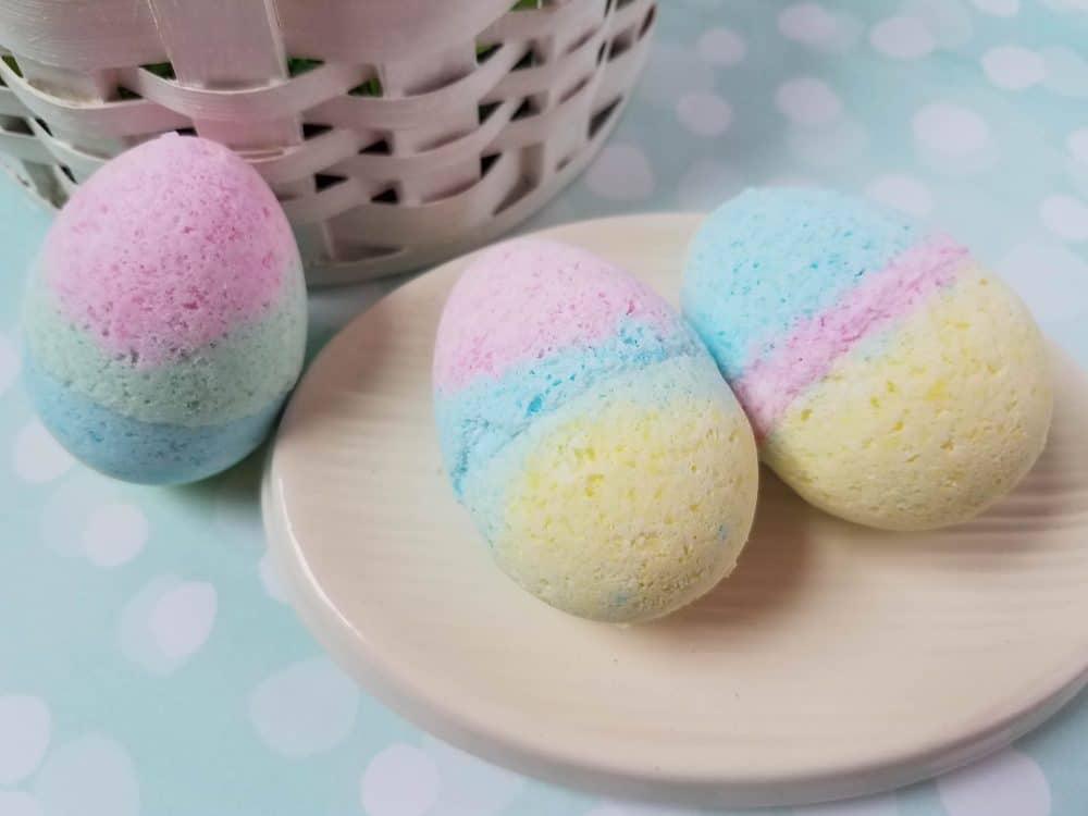 DIY Bath Bombs for Easter