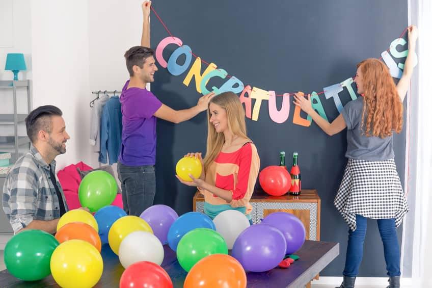 graduation party decorating