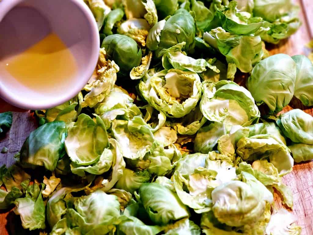 preparing brussel sprouts for oven