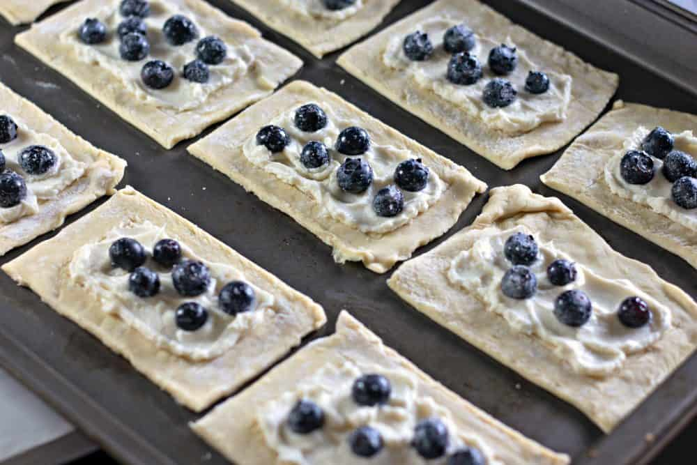 Pile the blueberries on top of the cream cheese filling.
