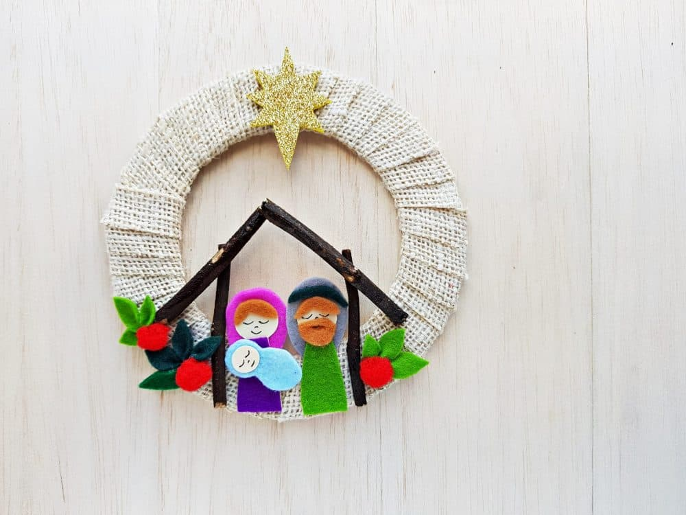 DIY Nativity Scene Wreath Craft