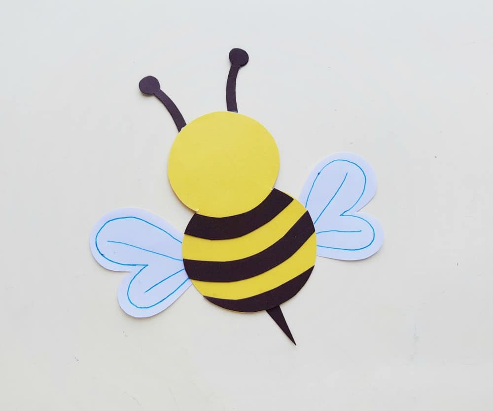 paper bee with antenna