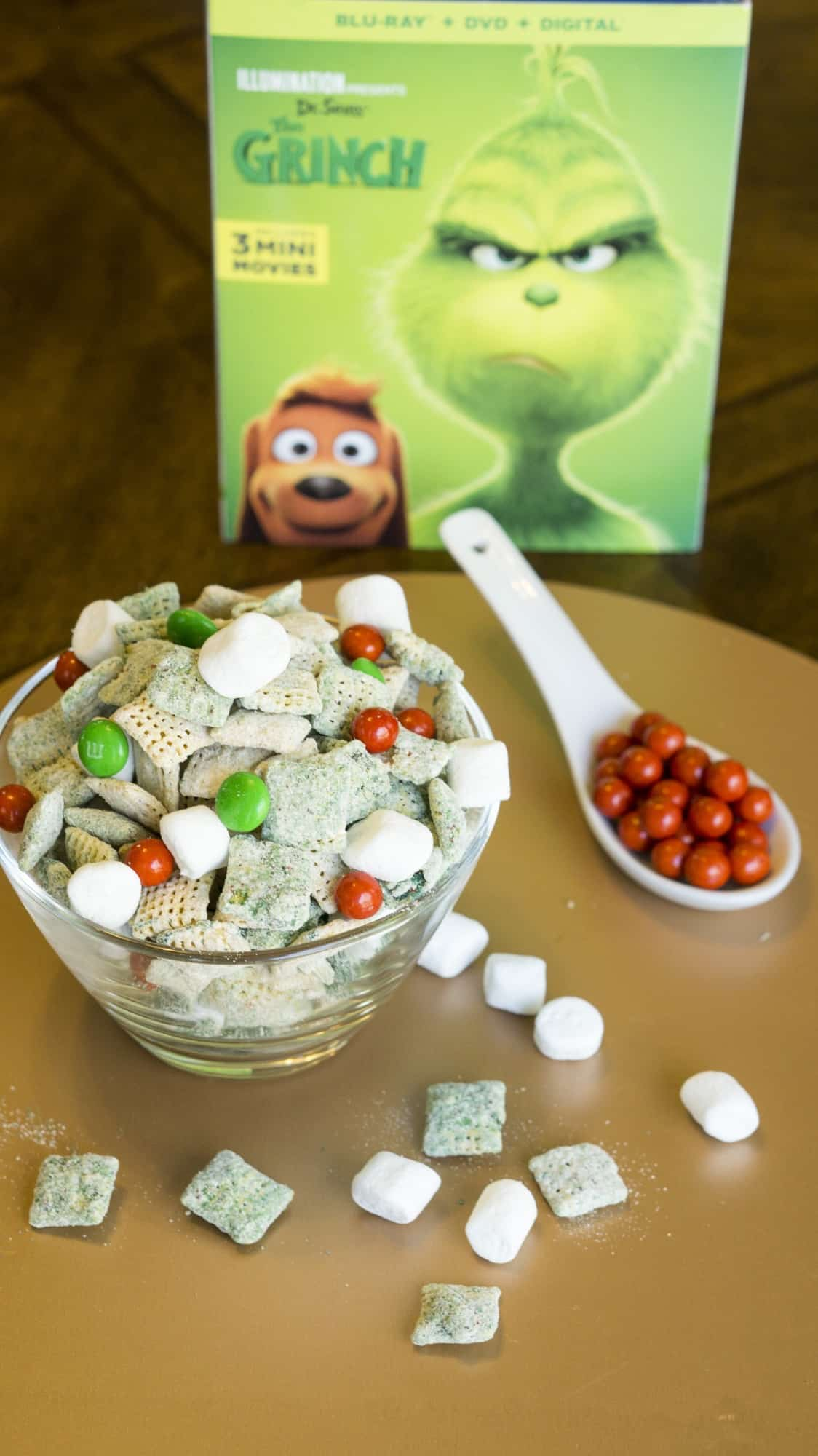 The Grinch peanut butter snack mix
