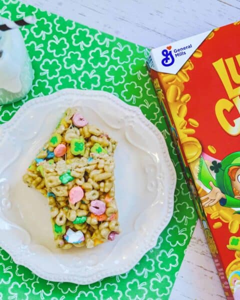 Lucky Charms treats to celebrate Saint Patrick's Day.