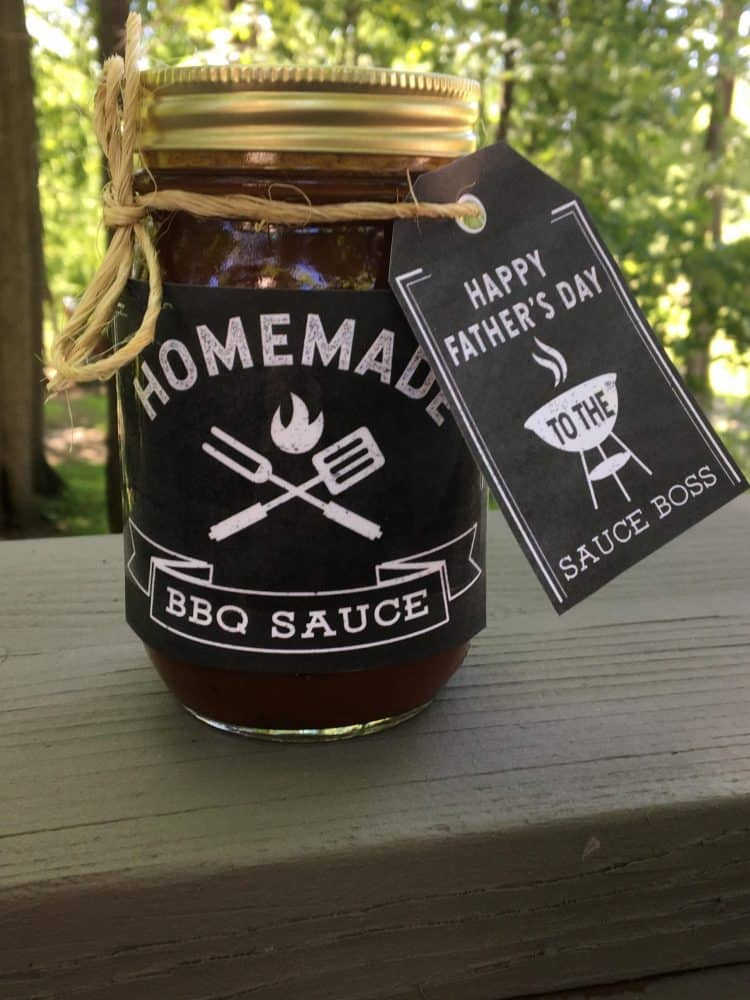 "Free Father\'s Day printable label for homemade BBQ and label for being the ""sauce boss.\"""
