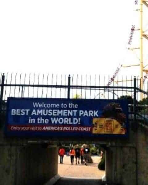 A welcome sign to Cedar Point.
